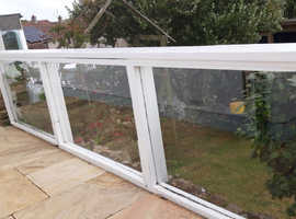 Glass panels perfect for balcony or balustrade