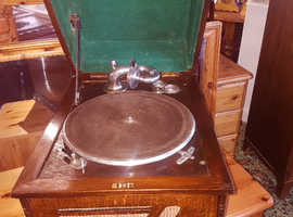 Vintage wind up gramophone 1930s with Records