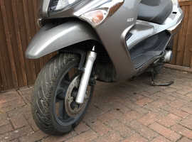Piaggio xevo 125 66 Reg mot August 4 repair