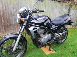 Kawasaki ER5 In Black