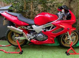 Honda vtr firestorm 1000cc