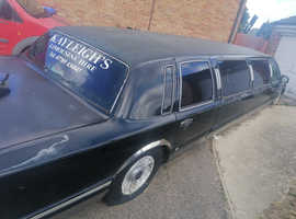 Lincoln Town Car, 2001 (Q) Black Estate, Automatic Petrol, 10,000 miles