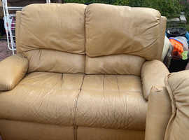 3 piece 2seater and 2 arm chairs