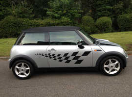 MINI COOPER 1.6 MOT 6 MONTHS LOTS OF SERVICE HISTORY HALF LEATHER & ALLOY WHEELS AIR CON CD NICE CAR
