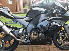 Kawasaki ZX10R C1H  2004.. Superb upgrades and condition.