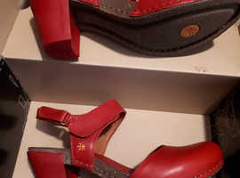 Designer Red heeled Art co shoes size 40eu never worn & boxed. Bought thinking they were size 4 by mistake