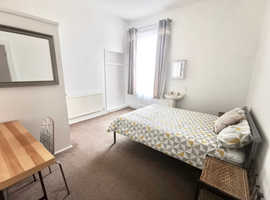 Double Room  for rent in a Shared House, Lipson Rd, Plymouth