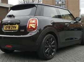 MINI, 2018 (18) Black Hatchback, Automatic Petrol, 36,000 miles
