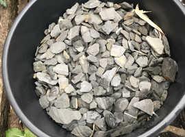 Grey slate chippings