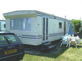 2 & 3 bedroom mobile homes for hire West Coast France