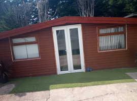 Shed/log cabin/day room