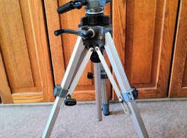 SLIK 88 Camera Adjustable Tripod, Made in Japan, Spirit Level, Excellent Con