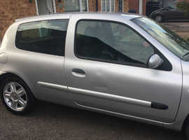 *GREAT FIRST CAR* Renault Clio, 2006 (06) Silver Hatchback, Manual Petrol, 101 miles