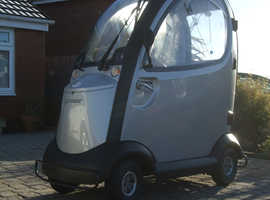 SHOPRIDER ENCLOSED MOBILITY SCOOTER 8mph NO DRIVING LICENCE REQUIRED EXCELLENT GREY