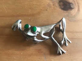 Sterling Silver Frog Native American with jade eyes