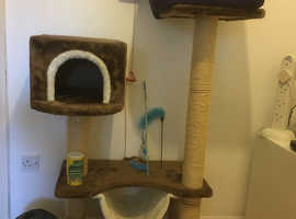 Lovely play and sleeping area for your adorable family cat.