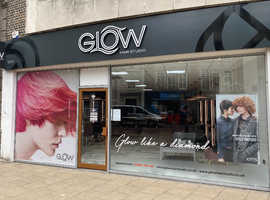 Part time Stylists and NAIL technicians Required
