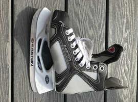 Kids Easton ice skates size 1 good condition