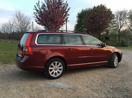 Volvo V70, 2010 (59) Red Estate, Manual Diesel, 172,000 miles