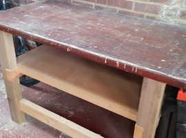 Very Sturdy Work Bench.
