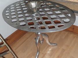 SILVER METAL SIDE/COFFEE TABLE
