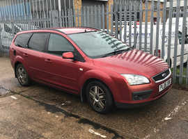 Ford Focus Ghia, 2006 (06) Red Estate, Automatic Petrol, 116,000 miles