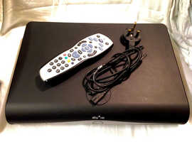 Sky+ HD Sky Box Samsung HDSKY 500GB with power lead and remote control