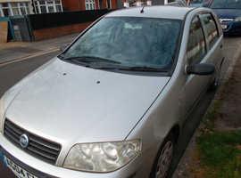 Fiat Punto 1.2 Active 8v  2004 (04) Grp 7 insurance  5 door Manual Petrol 115000 miles October mot 7 service stamps cambelt at 85k