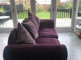 Very comfortable secondhand 3 seater Sofa. Still in very good condition!