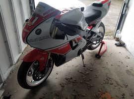 Yamaha R1 racing bike with V5