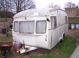 Old caravan - collect Larkhill near Salisbury