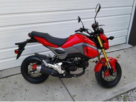 2018 HONDA GROM 125Cc! BRAND NEW 1 MILE! RACING RED! STREET LEGAL