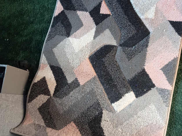 3 matching rugs in St. Albans