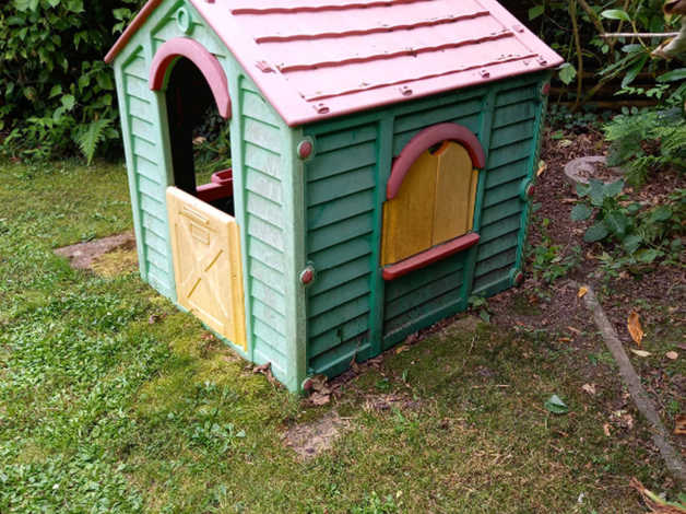 Wendy House – FREE in Romsey