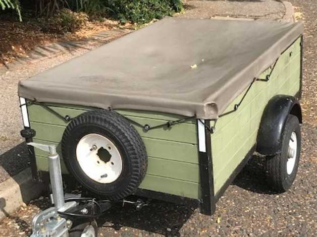 Neat road trailer for the camping gear, gardening or just to take to dump   in Burnham-On-Crouch