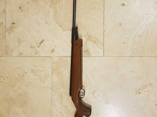Fwb air rifle in  22 in Tamworth