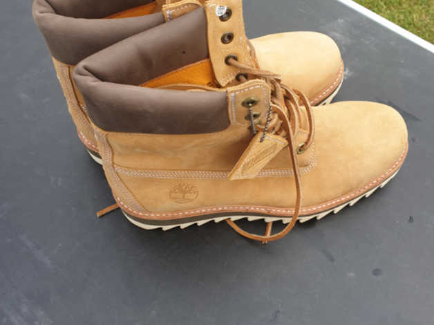 34ff1a337d6 BRAND NEW TIMBERLAND BOOTS SIZE 8.5 in Warwick