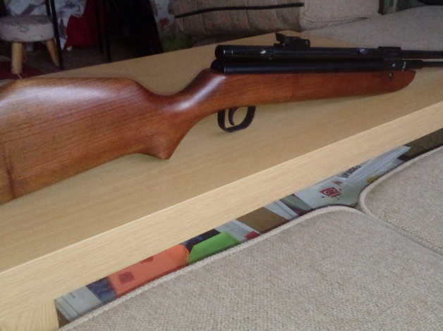 Sterling Hr81 - Walnut Stock - Unused Mint And Boxed Reduced