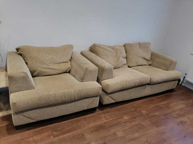 Free sofas in Slough