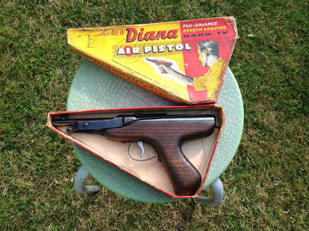 1950's Boxe Diana Mk4 Pistol in Havering RM13 on Freeads