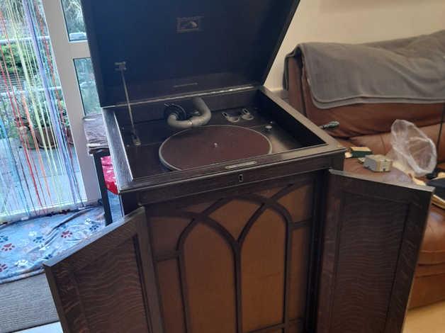 HMV Gramophone model 163 – Free to collector in Brighton